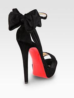Lindas sandalias de Christian Louboutin.