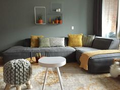 Shop the look: Gray, Sea Green with a touch of leather Shop the look: Grijs, Sea Green met een touch Living Room Sofa, Interior Design Living Room, Living Room Decor, Living Spaces, Deco Zen, Green Rooms, Room Colors, Sofa Design, Furniture Design