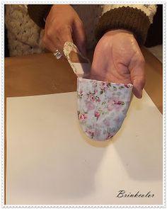 Gata Bacana: Passo a Passo Porta Oculos e Porta Moedas Scrap, Foam Curlers, Cartonnage, Fabric Handbags, Satchel Handbags, How To Make, Dressmaking, Projects