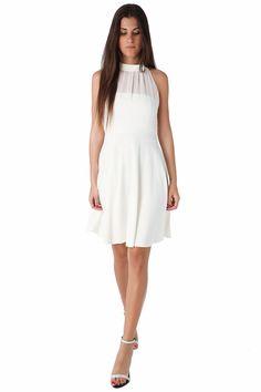 White skater dress with halter neck - 49,90 € - https://q2shop.com/