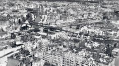 Berlin 1945 Das größte Schlachtfeld des zweiten Weltkriegs war die Bombardierung der deutschen Städte. Bombenkrieg in Berlin: Der Todesstoß für die Reichshauptstadt