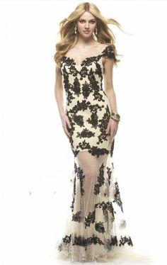 Cheap Junoesque Cap Sleeve Black Spaghetti Straps Pageant Dress Long Tulle Lace Applique Prom Dress Free Measurement
