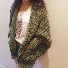 The Dwell Sweater Crochet pattern by Jess Coppom Make & Do Crew Fast Crochet, Crochet Fall, Christmas Knitting Patterns, Crochet Patterns, Weekender, Make And Do Crew, Universal Yarn, Baby Scarf, Dress Gloves