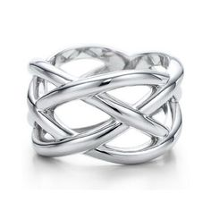 Tiffany and co Knots Ring jewelry This Tiffany Jewelry Product Features: Category: Tiffany & Co Rings Material: Sterling Silver Bling Bling, Tiffany And Co Outlet, Tiffany Jewelry, Tiffany Necklace, Onyx Necklace, Mode Style, Jewelry Box, Jewelry Knots, Jewlery