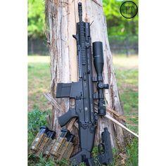 Good Morning W/ @fnhusa SCAR 17s, FNX Tactical, and @highspeedgear @costa_ludus Leg Rig. #Scar17 #FnxTactical #IgMilitia #Tactical #GunPorn #2A #Texas #Photo #Canon #ATACS @jasonthomasphotography