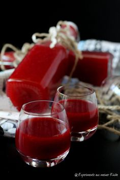Good Pic Forest fruit liqueur Tips Strawberry and Strawberry Blueberry Smoothie Recipes Many popular smoothie recipes have one thing i Smoothie Bowl, Smoothie Recipes, Smoothie Detox, Strawberry Blueberry Smoothie, Forest Fruits, New Fruit, Liqueur, Cocktail Recipes, Berries