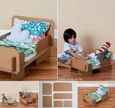 dolls bed diy cardboard - Google Search Cardboard Chair, Cardboard Toys, Diy For Kids, Crafts For Kids, Diy Crafts, Carton Diy, Wine Bottle Crafts, Diy Bed, Diy Toys