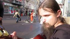 Unglaublich grossartiger Strassenmusiker - http://www.dravenstales.ch/unglaublich-grossartiger-strassenmusiker/