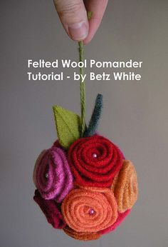 felt ornament tutorial - Betz White - adorable!