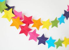 GIant Rainbow Star Garland - made with wool blend felt in bright rainbow colours, perfect for kids room or birthday. via Etsy. Star Garland, Felt Garland, Bunting Garland, Diy Garland, Garland Decoration, Buntings, Garlands, Garland Ideas, Rainbow Room