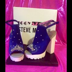 BRAND NEW STEVE MADDEN  Theses Steve Madden heels inspired by iggy area are beyond show stoppers and it gets better it's NWT Steve Madden Shoes