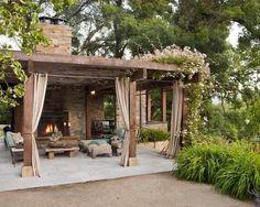 Lovely backyard get away