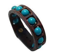 CARACTERÍSTICAS DE LA PULSERA DE CUERO  PRODUCCIÓN;  Se produce la pulsera de cuero de primera clase. Fabricarlos en mi propio taller.  COMPONENTES DE METAL  Los componentes de metal en la pulsera se hacen del material a prueba de herrumbre.  COLOR Y EL ANCHO;  Color de la pulsera se usa marrón. Ya que la pulsera es totalmente hecho a mano pueden producir algunas diferencias de menor color. Su anchura es de 0.8 pulgadas (2 cm).  INFORMACIÓN DE TAMAÑO;  Necesito la medida de tu muñeca…