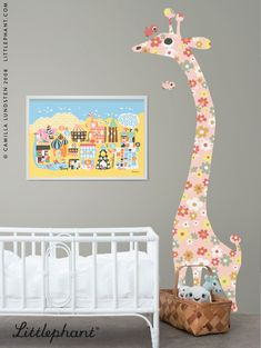 Littlephants Giraffe Measuring Ruler Wallsticker decorate your child's room and make it fun to keep track of how much one grow! Design by Camilla Lundsten. Littlephant.com