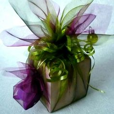 Add creative flair to your gift wrapping with these pretty colors of tulle! gift wrapping Raindrops and Roses Gift Wrapping Bows, Gift Wraping, Present Wrapping, Creative Gift Wrapping, Christmas Gift Wrapping, Wrapping Ideas, Creative Gifts, Christmas Crafts, Unique Gifts