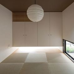 Japanese-Style Home located in Minoh City, Osaka. Japanese Interior Design, Scandinavian Interior Design, Interior Exterior, Interior Architecture, Japanese Modern House, Japanese Style, Zen Interiors, Deco Zen, Tatami Room