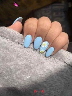 Nails  art #art #nail #nailpolish #nailart #naildesigns #cute #blue #daisy<br>