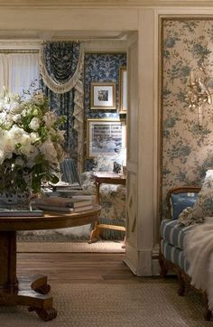 130 English Country Wallpaper Bedroom To Find The Perfect Backdrop To Help Your Sleep Check more at https://www.home123.co/130-english-country-wallpaper-bedroom-find-perfect-backdrop-help-sleep/