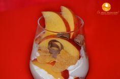 Mousse de iaurt cu fructe | http://cemaimancam.ro/mousse-de-iaurt-cu-fructe/