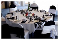 black and white wedding decoration ideas love the runner