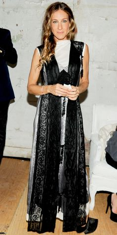 Black  amp  White Lace Dress Sarah Jessica Parker - Look of the Day -  InStyle cd2f505a883