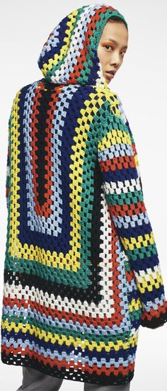 Mira Mikati Fall 2016 Ready-to-Wear Fashion Show Collection: See the complete Mira Mikati Fall 2016 Ready-to-Wear collection. Look 16 Crochet Hippie, Beau Crochet, Pull Crochet, Mode Crochet, Irish Crochet, Cardigan Au Crochet, Crochet Coat, Crochet Jacket, Crochet Clothes