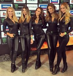 Five Monster Energy Girls Leather Leggings Outfit, Tight Leather Pants, Sexy Outfits, Fall Outfits, Steampunk Pants, Monster Energy Girls, Promo Girls, Classic White Shirt, Leder Outfits