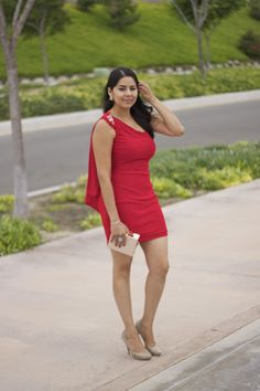 Lil bits of Chic by Paulina Mo. ft. #Faviana #RedDress