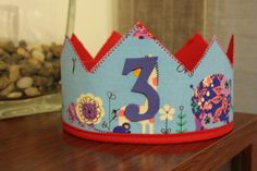 Corona para cumpleaños de tela