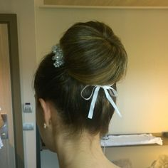 classic ballerina bun wedding hairstyle by Janita Helova Rome Italy. www.janitahelova.com