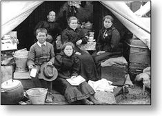 Anglo-Boer War Concentration Camps - the abhorrent conditions in these camps caused the death of 4 177 women, 22 074 children under sixteen and 1 676 men. African History, Women In History, World History, World War Ii, Black History, Armed Conflict, West Africa, South Africa, History Online