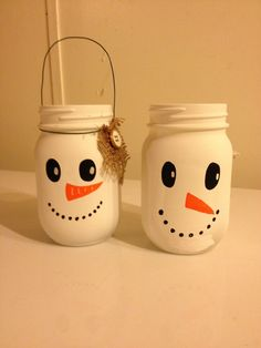 25 Attractive Christmas Mason Jar Ideas That Are Trending This Season Pretty Snowman Jars Snowman Crafts, Jar Crafts, Bottle Crafts, Mason Jar Gifts, Mason Jar Diy, Christmas Crafts For Kids To Make, Holiday Crafts, Mason Jar Projects, Jar Art
