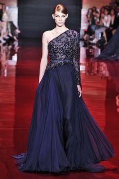 Elie Saab | Paris | Alta-costura | Inverno 2014 - Vogue | Fashion weeks