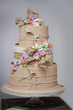 Corrugated card cake (made from sugarpaste! Take The Cake, Love Cake, Unique Cakes, Creative Cakes, Gorgeous Cakes, Pretty Cakes, Amazing Wedding Cakes, Amazing Cakes, Gateaux Cake