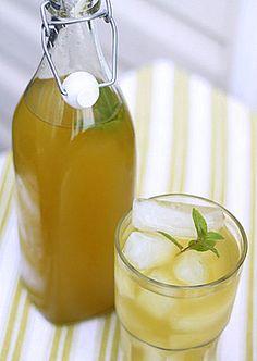 Ginger Lemongrass Iced Green Tea | Kitchen Treaty
