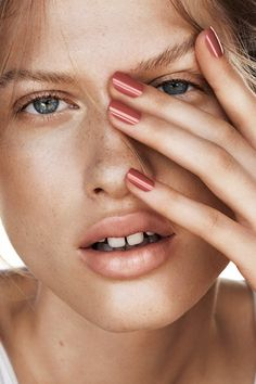 Discover our new nail colours in cutting-edge shades! | H&M Beauty