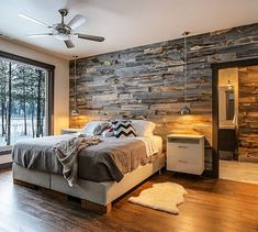 Best Modern Rustic Bedroom For Your Home. We searched the Modern Rustic Bedroom For Your Home color choices for you in the bedroom Rustic Master Bedroom, Home Decor Bedroom, Pallet Wall Bedroom, Bedroom With Wood Wall, Rustic Bedrooms, Pallet Walls, Wooden Wall Bedroom, Reclaimed Wood Bedroom, Bedroom Furniture