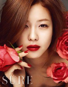 Kyung Soo Jin - Sure Magazine March Issue Korean Beauty, Asian Beauty, Kyung Soo Jin, Asian Woman, Asian Girl, Women Be Like, Pink Moon, N Girls, Korean Actresses