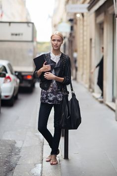 #NatashaRemarchuk looking well cool #offduty in Paris. // Elegant teacher style