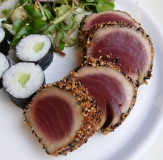 Making this for Seth& birthday dinner: Gordon Ramsay& sesame crusted tuna with watercress salad and kappamaki rolls. Tuna Recipes, Seafood Recipes, Cooking Recipes, Gordon Ramsay, Tuna Loin, Tuna Steaks, Sesame Crusted Tuna, Seared Tuna, Le Chef