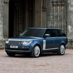 """The new Range Rover reflects its unrivalled heritage, taking its iconic design and craftsmanship to extraordinary new heights. Search """"Range Rover configurator"""" to create yours."""