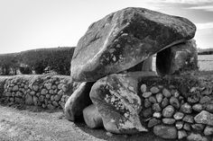 Ever since seeing Kilkeel Portal Tomb on Jim Dempsey's great web site Megalithic Ireland  it has been on my wish list. So...