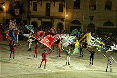 Arezzo - La giostra del Saracino. Gli sbandieratori