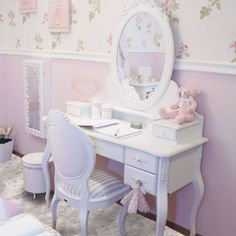 Luxury princess bedroom Go to CIRCUNET and find the most incredible princess Princess Bedrooms, Princess Room, Home Decor Bedroom, Kids Bedroom, Girl Bedroom Designs, Bedroom Layouts, Kids Room Design, Contemporary Bedroom, Girl Room