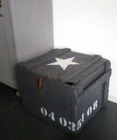 Stoere houten kist.