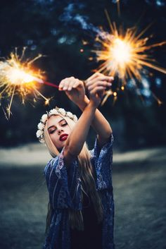 4th of july photo shoot with sparklers by Brittney Borowski