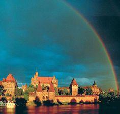 Castelos medievais: Malbork (Marienburg), capital do Estado cruzado e religioso da Ordem Teutônica
