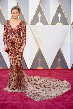 "Chrissy Teigen Dressed Her ""Oscars Belly"" in a Fresh-Off-the-Runway Marchesa Dress"
