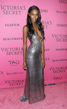Model Leila Nda attends the 2015 Victoria's Secret Fashion Show after party at TAO Downtown on November 2015 in New York City. Get premium, high resolution news photos at Getty Images Victorias Secret Models, Victoria Secret Fashion Show, Victoria Secret Bras, Fashion Shows 2015, Fashion News, Celebrity Red Carpet, Celebrity Style, Victoria Secrets, Party Photos