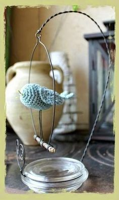 Love the perch; could be used for anything, notes, crystal.base looks like top of candle jar. - My DIY Tips Bird Crafts, Diy And Crafts, Arts And Crafts, Diy Projects To Try, Crochet Projects, Crochet Birds, Wire Crochet, Ideias Diy, Wire Art